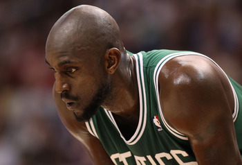 PHOENIX, AZ - JANUARY 28:  Kevin Garnett #5 of the Boston Celtics during the NBA game against the Phoenix Suns at US Airways Center on January 28, 2011 in Phoenix, Arizona.  The Suns defeated the Celtics 88-71.  NOTE TO USER: User expressly acknowledges a