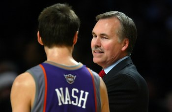 LOS ANGELES, CA - OCTOBER 31:  Head coach Mike D'Antoni of the Phoenix Suns talks to Steve Nash #13 during the game against the Los Angeles Lakers on October 31, 2006 at Staples Center in Los Angeles, California. The Lakers won 114-106. NOTE TO USER: User