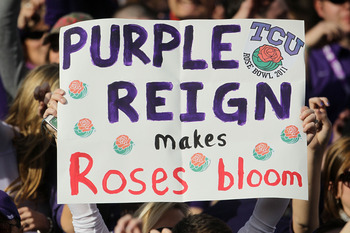 PASADENA, CA - JANUARY 01:  A fan of the TCU Horned Frogs holds a sign during the 97th Rose Bowl game against the Wisconsin Badgers on January 1, 2011 in Pasadena, California.  (Photo by Jeff Gross/Getty Images)