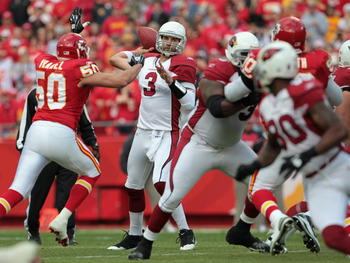 KANSAS CITY, MO - NOVEMBER 21:  Quarterback Derek Anderson #3 of the Arizona Cardinals passes during the game against the Kansas City Chiefs on November 21, 2010  at Arrowhead Stadium in Kansas City, Missouri.  (Photo by Jamie Squire/Getty Images)