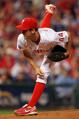 PHILADELPHIA - OCTOBER 23:  Roy Oswalt #44 of the Philadelphia Phillies pitches against the San Francisco Giants in Game Six of the NLCS during the 2010 MLB Playoffs at Citizens Bank Park on October 23, 2010 in Philadelphia, Pennsylvania.  (Photo by Doug