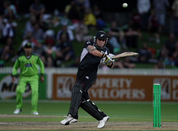 HAMILTON, NEW ZEALAND - FEBRUARY 03:  Brendon McCullum of the Black Caps bats during game five of the one day series between New Zealand and Pakistan at Seddon Park on February 3, 2011 in Hamilton, New Zealand.  (Photo by Sandra Mu/Getty Images)