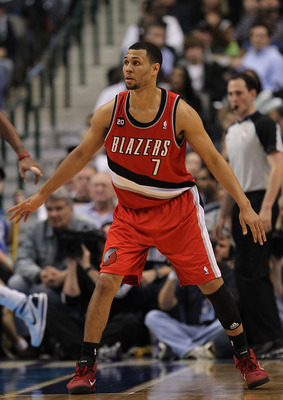 DALLAS, TX - DECEMBER 15:  Guard Brandon Roy #7 of the Portland Trail Blazers at American Airlines Center on December 15, 2010 in Dallas, Texas.  NOTE TO USER: User expressly acknowledges and agrees that, by downloading and or using this photograph, User