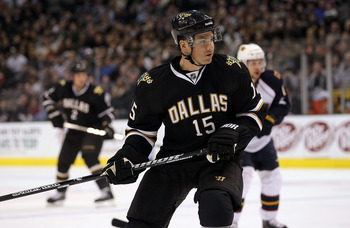 DALLAS, TX - JANUARY 15:  Jamie Langenbrunner #15 of the Dallas Stars at American Airlines Center on January 15, 2011 in Dallas, Texas.  (Photo by Ronald Martinez/Getty Images)