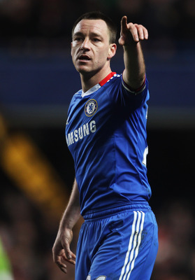 LONDON, ENGLAND - FEBRUARY 06:  John Terry of Chelsea gestures during the Barclays Premier League match between Chelsea and Liverpool at Stamford Bridge on February 6, 2011 in London, England.  (Photo by Scott Heavey/Getty Images)