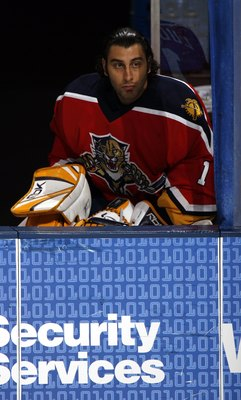 SUNRISE, FL - MARCH 17:  Goaltender  Roberto Luongo #1 of the Florida Panthers sits on the bench against the New York Islanders at the Bank Atlantic Center on March 17, 2006 in Sunrise, Florida. (Photo by Eliot J. Schechter/Getty Images)