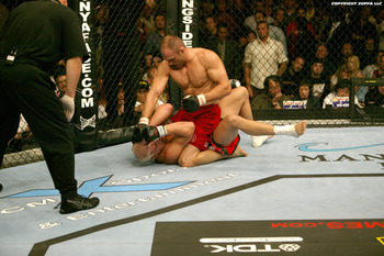 Ufc44_couture_vs_ortiz_06_display_image