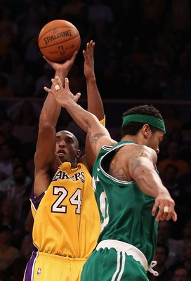 LOS ANGELES, CA - JUNE 17:  Kobe Bryant #24 of the Los Angeles Lakers goes up for a shot over Rasheed Wallace #30 of the Boston Celtics in Game Seven of the 2010 NBA Finals at Staples Center on June 17, 2010 in Los Angeles, California.  NOTE TO USER: User