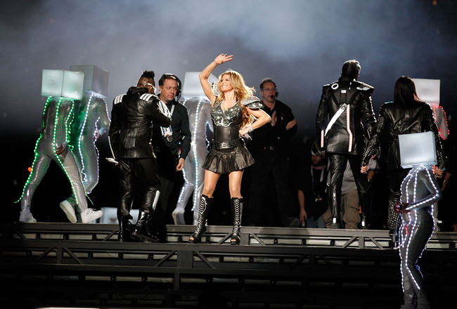 ARLINGTON, TX - FEBRUARY 06:  Fergie of The Black Eyed Peas performs during the Bridgestone Super Bowl XLV Halftime Show at Dallas Cowboys Stadium on February 6, 2011 in Arlington, Texas.  (Photo by Christopher Polk/Getty Images)