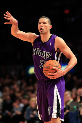 NEW YORK, NY - JANUARY 14:  Francisco Garcia #32 of the Sacramento Kings reacts during the game against the New York Knicks at Madison Square Garden on January 14, 2011 in New York City. NOTE TO USER: User expressly acknowledges and agrees that, by downlo