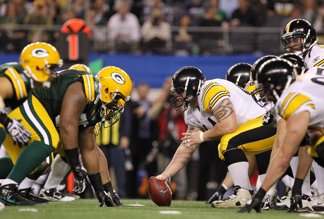 ARLINGTON, TX - FEBRUARY 06:  The Pittsburgh Steelers line up against the Green Bay Packers during Super Bowl XLV at Cowboys Stadium on February 6, 2011 in Arlington, Texas.  (Photo by Doug Pensinger/Getty Images)