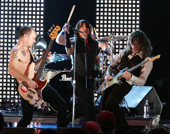 Image Source: http://foro.pympy.com/bandas-rock/9579-red-hot-chili-peppers.html
