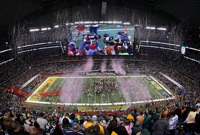 ARLINGTON, TX - FEBRUARY 06:  The Green Bay Packers celebrate defeating the Pittsburgh Steelers 31 to 25 in Super Bowl XLV at Cowboys Stadium on February 6, 2011 in Arlington, Texas.  (Photo by Tom Pennington/Getty Images)