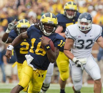 Denard-robinson-04jpg-6399aa0c7cd519fe_large_display_image