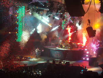Gunsnroses_live_in_hamilton_canada_display_image