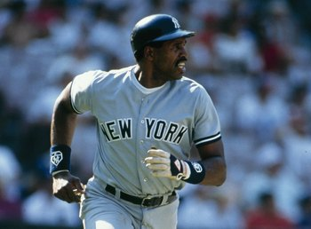 UNDATED:  Dave Winfield of the New York Yankees runs to first base. (Photo by V.J. Lovero/Getty Images)