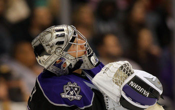 LOS ANGELES, CA - JANUARY 26:  Goaltender Jonathan Quick #32 of the Los Angeles Kings looks up to the scoreboard during a break in their NHL game against the San Jose Sharks at Staples Center on January 26, 2011 in Los Angeles, California. The Kings defea