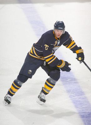 BUFFALO, NY - JANUARY 21: Thomas Vanek #26 of the Buffalo Sabres skates against the New York Islanders at HSBC Arena on January 21, 2011 in Buffalo, New York. New York won 5-2.  (Photo by Rick Stewart/Getty Images)