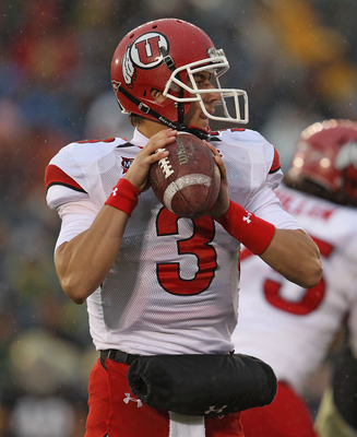 SOUTH BEND, IN - NOVEMBER 13: Jordan Wynn #3 of the Utah Utes looks for a recevier against the Notre Dame Fighting Irish at Notre Dame Stadium on November 13, 2010 in South Bend, Indiana. Notre Dame defeated Utah 28-3. (Photo by Jonathan Daniel/Getty Imag