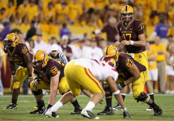 TEMPE, AZ - NOVEMBER 07:  Quarterback Brock Osweiler #17 of the Arizona State Sun Devils prepares to snap the ball against the USC Trojans during the college football game at Sun Devil Stadium on November 7, 2009 in Tempe, Arizona.  The Trojans defeated t