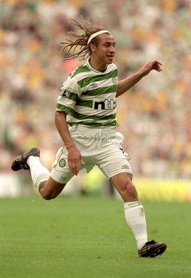 27 Aug 2000:  Henrik Larsson of Celtic during the Scottish Premier League match against Rangers at Celtic Park in Glasgow, Scotland. Celtic won the game 6 - 2. \ Mandatory Credit: Stu Forster /Allsport