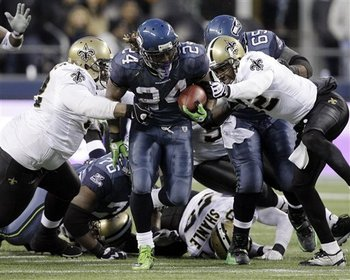 Marshawn-lynch-seahawks-saintsjpg-68356f450e4425a7_display_image
