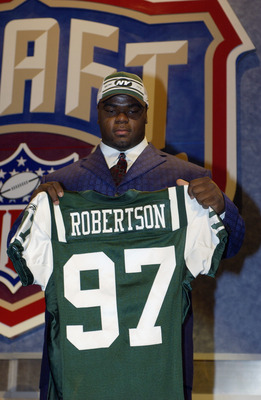 NEW YORK CITY - APRIL 26:  Dewayne Robertson from Kentucky after he was selected fourth overall by the New York Jets at the 2003 NFL Draft on April 26, 2003 at Madison Square Garden in New York City.. (Photo by Ezra Shaw/Getty Images)