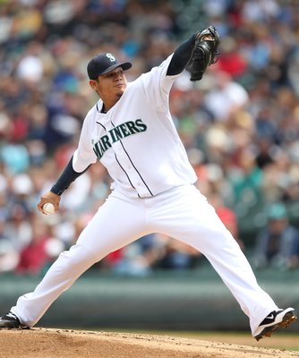SEATTLE - MAY 23:  Starting pitcher Felix Hernandez #34 of the Seattle Mariners pitches against the San Diego Padres at Safeco Field on May 23, 2010 in Seattle, Washington. (Photo by Otto Greule Jr/Getty Images)