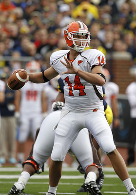ANN ARBOR, MI - SEPTEMBER 25: Aaron Pankratz #14 of Bowling Green drops back to pass in the first quarter during the game against the Michigan Wolverines on September 25, 2010 at Michigan Stadium in Ann Arbor, Michigan. Michigan defeated Bowling Green 65-