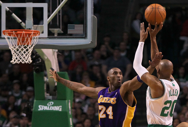 BOSTON - JANUARY 31:  Kobe Bryant  #24 the Los Angeles Lakers attempts to block a shot  by Ray Allen #24 of the Boston Celtics at the TD Garden on January 31, 2010 in Boston, Massachusetts.  The Lakers won 90-89. NOTE TO USER: User expressly acknowledges