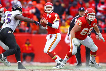 KANSAS CITY, MO - JANUARY 09:  Quarterback Matt Cassel #7 of the Kansas City Chiefs looks to pass against the Baltimore Ravens in their 2011 AFC wild card playoff game at Arrowhead Stadium on January 9, 2011 in Kansas City, Missouri.  (Photo by Dilip Vish