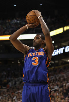 PHOENIX, AZ - JANUARY 07:  Shawne Williams #3 of the New York Knicks puts up a shot against the Phoenix Suns during the NBA game at US Airways Center on January 7, 2011 in Phoenix, Arizona.  The Knicks defeated the Suns 121-96.  NOTE TO USER: User express