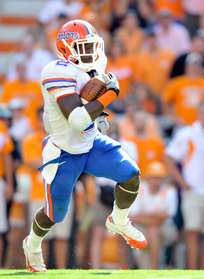 KNOXVILLE, TN - SEPTEMBER 18:  Jeff Demps #2 of the Florida Gators oruns against the Tennessee Volunteers at Neyland Stadium on September 18, 2010 in Knoxville, Tennessee.  (Photo by Grant Halverson/Getty Images)