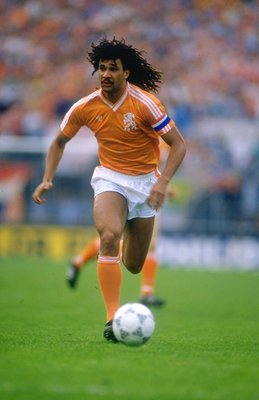 1987:  Ruud Gullit of Holland in action during the European Championship qualifying match against Hungary. Holland won the match 2-0. \ Mandatory Credit: David  Cannon/Allsport