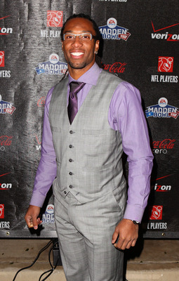 GRAPEVINE, TX - FEBRUARY 03:  NFL player Larry Fitzgerald of the Arizona Cardinals attends the Coke Zero black carpet at the EA SPORTS Madden Bowl XVII at The Glass Cactus on February 3, 2011 in Grapevine, Texas.  (Photo by Joe Scarnici/Getty Images for M