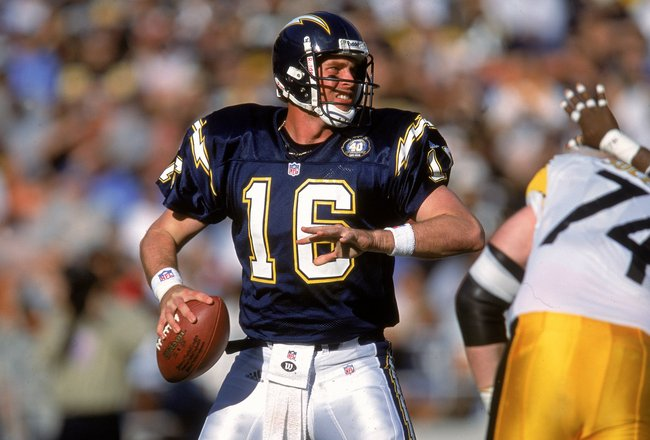 24 Dec 2000: Quarterback Ryan Leaf #16 of the San Diego Chargers looks to pass the ball during the game against the Pittsburgh Steelers at Qualcomm Stadium in San Diego, California. The Steelers defeated the Chargers 34-21.Mandatory Credit: Jeff Gross  /A