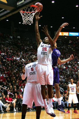 SAN DIEGO, CA - FEBRUARY 5: Kawhi Leonard #15 of San Diego State tips the ball into the basket against TCU at Cox Arena in San Diego Saturday, February 5, 2011. SDSU beat TCU 60-53. (Photo by Kent Horner/Getty Images)