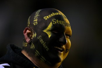 PITTSBURGH - JANUARY 18:  A fan of the Pittsburgh Steelers looks on during warm ups against the Baltimore Ravens during the AFC Championship game on January 18, 2009 at Heinz Field in Pittsburgh, Pennsylvania.  (Photo by Al Bello/Getty Images)