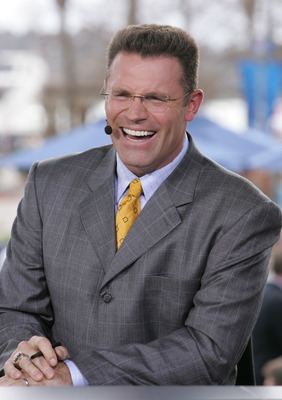 JACKSONVILLE, FL - FEBRUARY 06:  FOX Sportscaster Howie Long speaks at the FOX Broadcast booth during the XXXIX Superbowl pregame show at Alltel Stadium on February 6, 2005 in Jacksonville, Florida.  (Photo by Frank Micelotta/Getty Images)