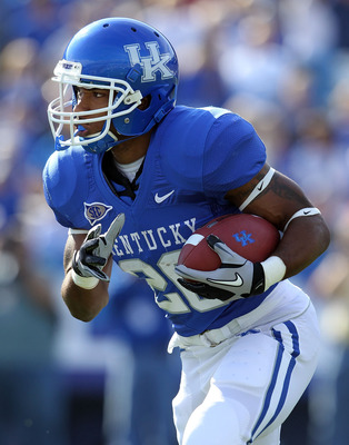 LEXINGTON, KY - NOVEMBER 13:  Derrick Locke #20 of the Kentucky Wildcats runs with the ball during the game against the Vanderbilt Commodores at Commonwealth Stadium on November 13, 2010 in Lexington, Kentucky. Kentucky won 38-20.  (Photo by Andy Lyons/Ge