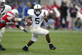 COLUMBUS - OCTOBER 26:  Penn State tailback Larry Johnson #5 rushes during the NCAA football game against Ohio State at Ohio Stadium on October 26, 2002 in Columbus, Ohio.  The Ohio State Buckeyes defeated the Penn State Nittany Lions in a closely fought