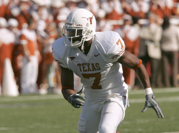 WACO. TX - NOVEMBER 5:  Michael Huff #7 of the Texas Longhorns moves on the field during the game against the Baylor Bears on November 5, 2005 at Floyd Casey Stadium in Waco, Texas.  Texas won 62-0. (Photo by Stephen Dunn /Getty Images)