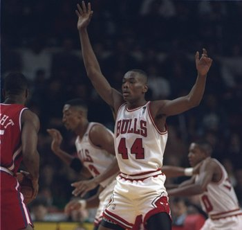 16 Feb 1994:  Forward Corie Blount of the Chicago Bulls plays defense during a game against the Los Angeles Clippers at Arrowhead Pond in Anaheim, California.  The Bulls won the game, 115-111. Mandatory Credit: Jonathan Daniel  /Allsport
