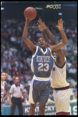 30 Mar 1996:  Guard Derek Anderson of the Kentucky Wildcats goes up for two during a game against the Masssachusetts Minutemen at the Meadowlands in East Rutherford, New Jersey.  Kentucky won the game, 81-74. Mandatory Credit: Doug Pensinger/Allsport