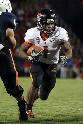 TUCSON, AZ - OCTOBER 09:  Runningback Jacquizz Rodgers #1 of the Oregon State Beavers runs with the football during the college football game against the Arizona Wildcats at Arizona Stadium on October 9, 2010 in Tucson, Arizona. The Beavers defeated the W