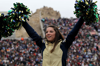 EL PASO, TX - DECEMBER 30:  A cheerleader for the Notre Dame Fighting Irish at Sun Bowl on December 30, 2010 in El Paso, Texas.  (Photo by Ronald Martinez/Getty Images)