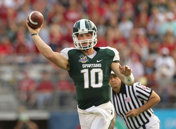 ORLANDO, FL - JANUARY 01: Andrew Maxwell #10 of the Michigan State Spartans passes the ball during the Capitol One Bowl against the Alabama Crimson Tide at the Florida Citrus Bowl on January 1, 2011 in Orlando, Florida.  (Photo by Mike Ehrmann/Getty Image