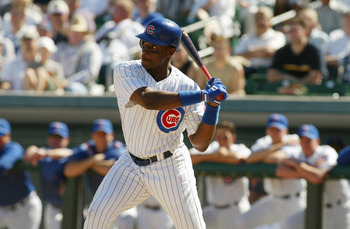 28 Feb 2002:  Fred McGriff #29 of the Chicago Cubs prepares for a pitch during the game against the San Francisco Giants at Hohokam Park in Mesa, Arizona. . Digital Image. The Giants won 5-4. Mandatory Credit: Tom Hauck/Getty Images