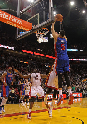 MIAMI, FL - JANUARY 28:  Austin Daye #5 of of the Detroit Pistons misses a game winning dunk during a game against the Miami Heat at American Airlines Arena on January 28, 2011 in Miami, Florida. NOTE TO USER: User expressly acknowledges and agrees that,