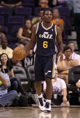 PHOENIX - OCTOBER 12:  Othyus Jeffers #6 of the Utah Jazz handles the ball during the preseason NBA game against the Phoenix Suns at US Airways Center on October 12, 2010 in Phoenix, Arizona. NOTE TO USER: User expressly acknowledges and agrees that, by d